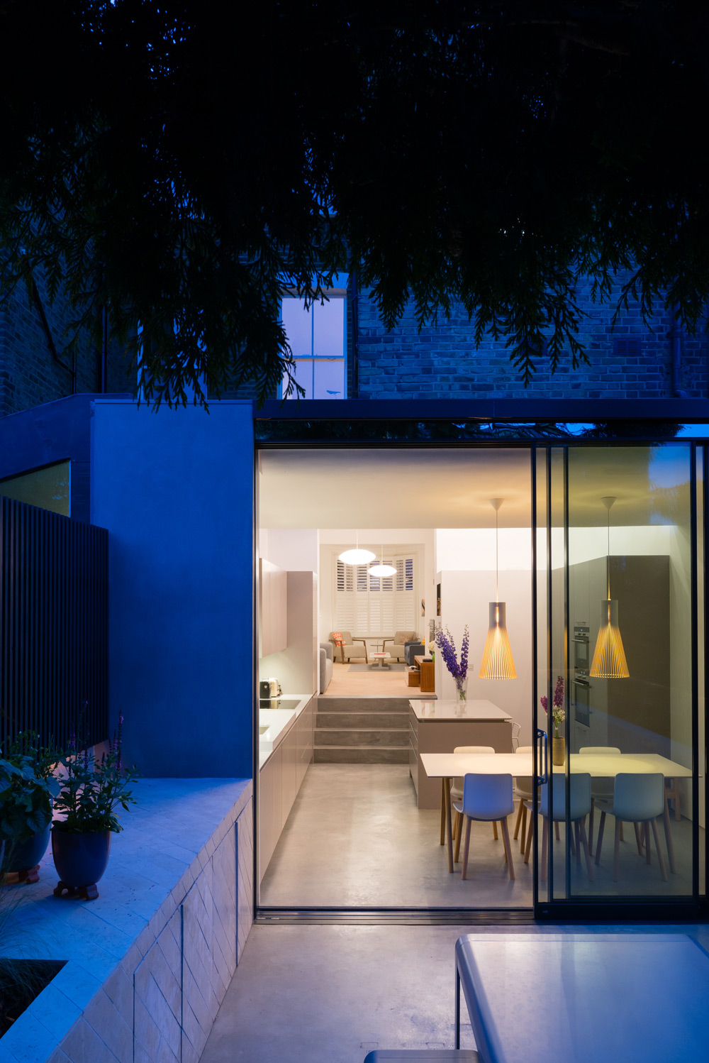 Concrete house extension in highbury